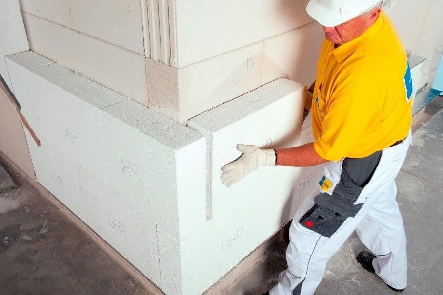 Izvedba fasade: polaganje Multipor plošč na Ytong zid