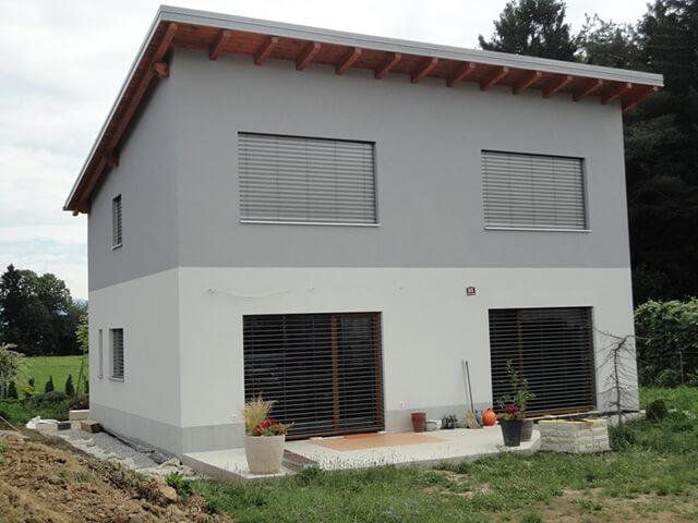 Pasivna Ytong hiša družine Posinek – enostavna in kompaktna enokapnica.