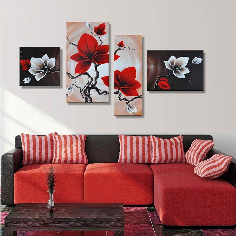 Pravilno razmescene slike na steni dnevne sobe