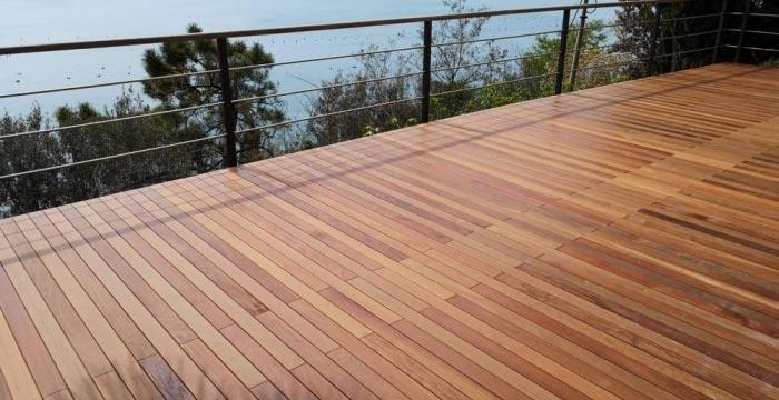 Zaključna obloga kakovostno izvedene terase je lahko tudi lesena